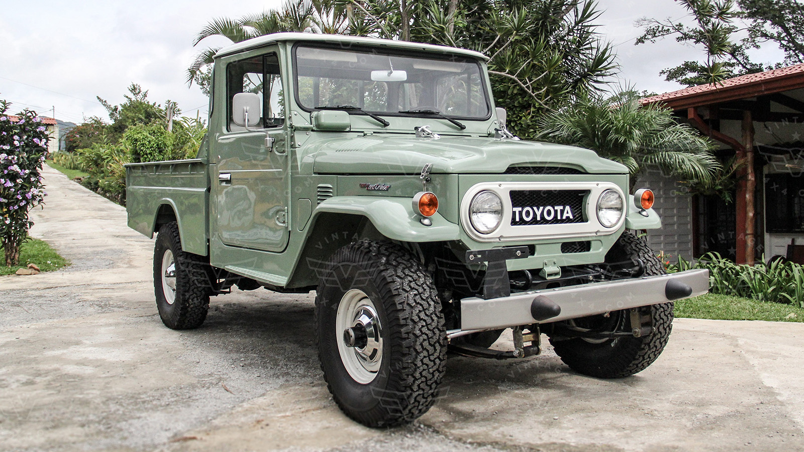 toyota fj40 for sale vintage cruiser company vintage land cruiser restoration. Black Bedroom Furniture Sets. Home Design Ideas